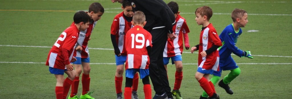 5 Basic Football Skills for Kids and Beginners