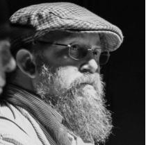 An image of beardedian