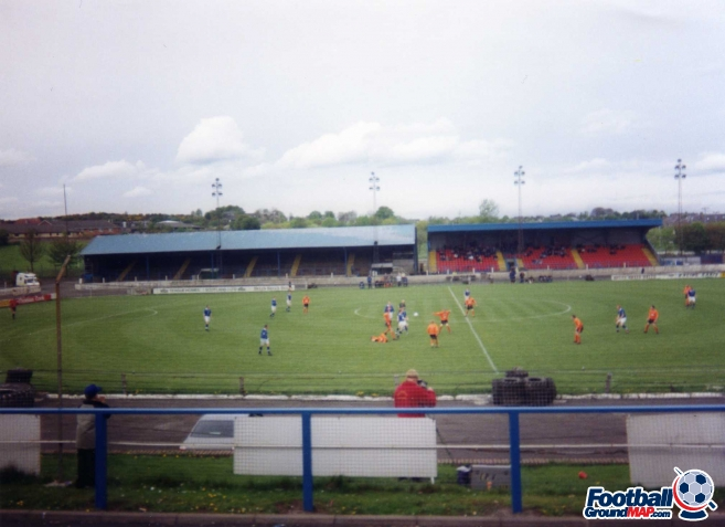 A photo of Central Park (Cowdenbeath) uploaded by facebook-user-7091