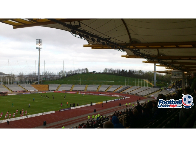A photo of Don Valley Stadium uploaded by biscuitman88