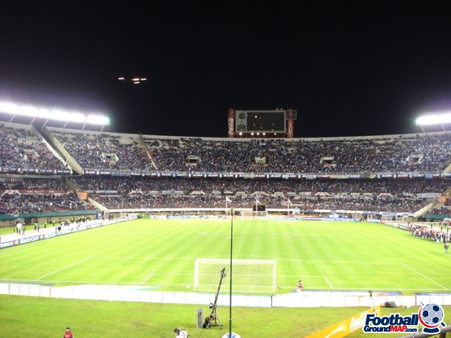 A photo of Estadio Monumental Antonio Vespucio Liberti uploaded by facebook-user-92902
