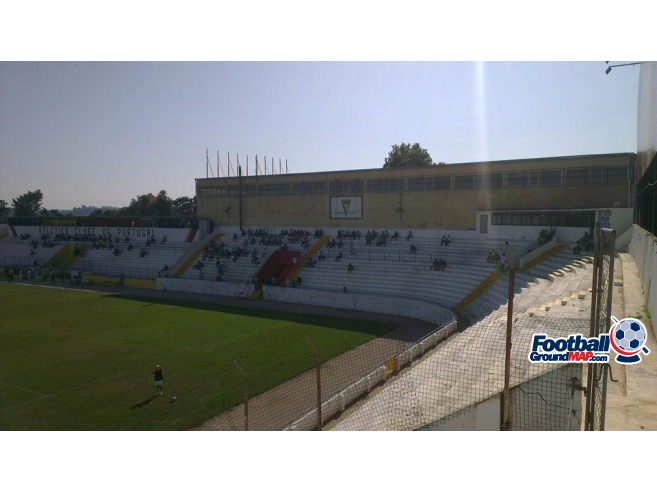 A photo of Estadio da Tapadinha uploaded by kai