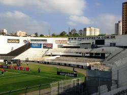 Estadio Moises Lucarelli