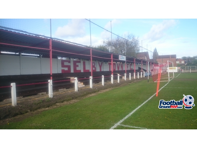 A photo of Flaxley Road Ground uploaded by biscuitman88