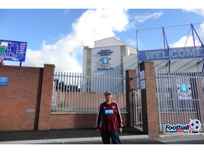 A photo of Goodison Park uploaded by maroon17