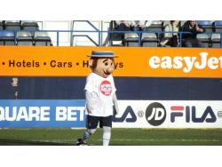 An image of Kenilworth Road uploaded by davielaird