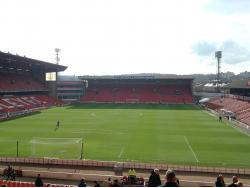 An image of Oakwell uploaded by bha52