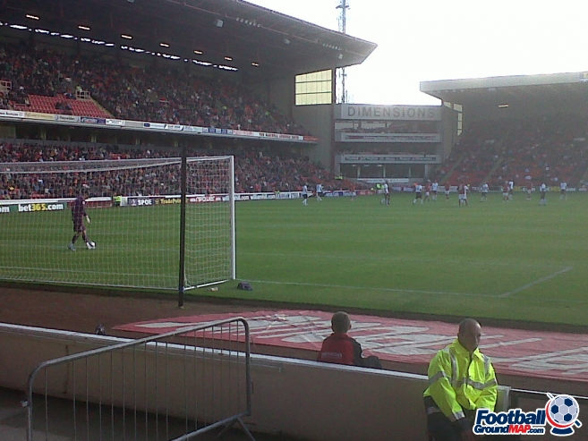 A photo of Oakwell uploaded by nick-allen