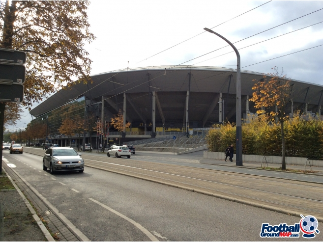 A photo of Rudolf-Harbig-Stadion uploaded by antoonk