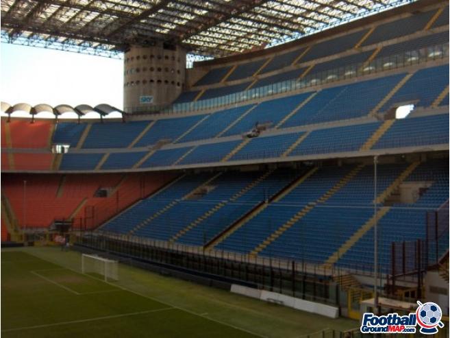 A photo of San Siro (Stadio Giuseppe Meazza) uploaded by simon