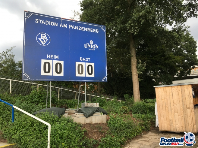 A photo of Stadion am Panzenberg uploaded by ully