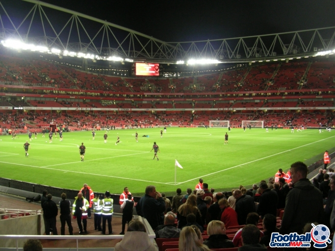 A photo of The Emirates Stadium uploaded by stuff10