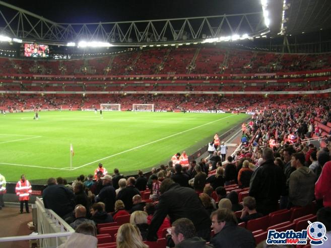 A photo of The Emirates Stadium uploaded by stuff10