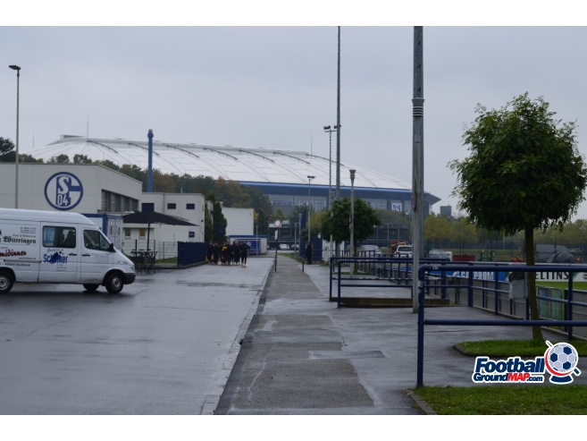 A photo of Veltins-Arena uploaded by andy-s