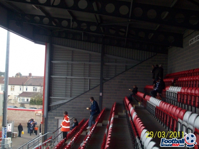 A photo of Victoria Road (Chigwell Construction Stadium) uploaded by chunk9