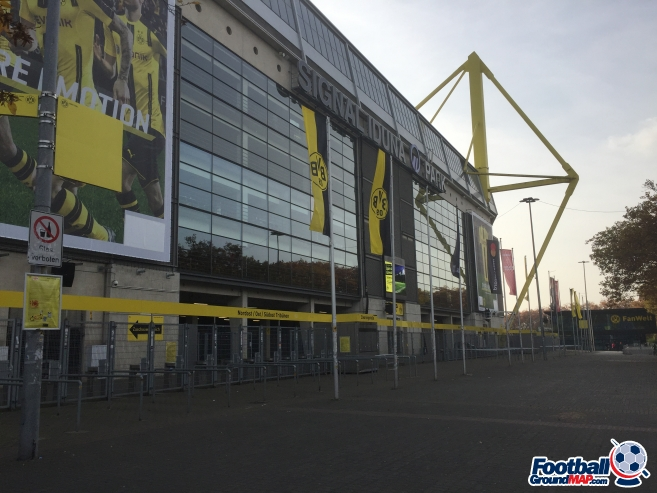 A photo of Westfalenstadion (Signal Iduna Park) uploaded by andy-s