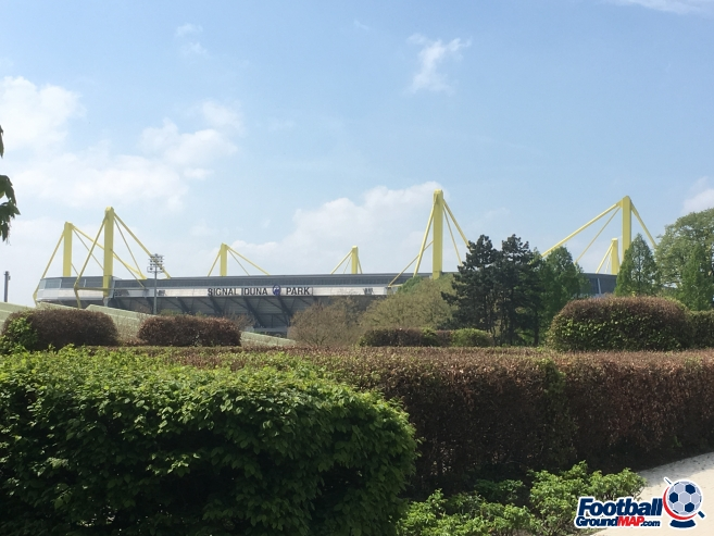 A photo of Westfalenstadion (Signal Iduna Park) uploaded by tomscarbi