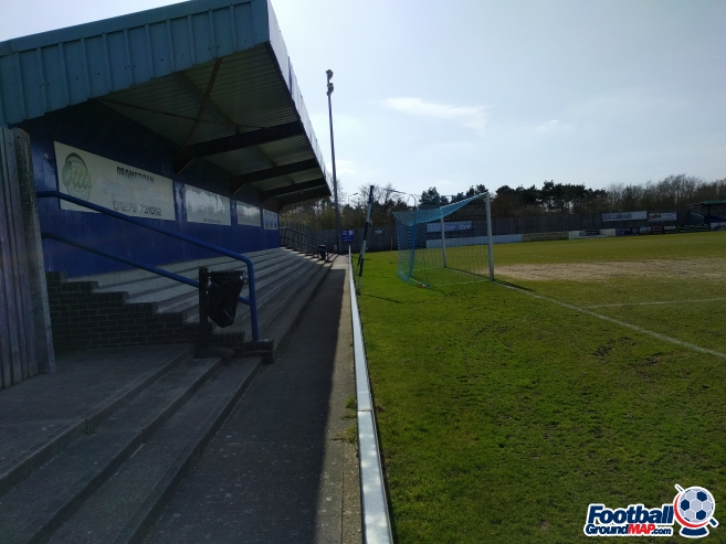 A photo of Woodside Park (The ProKit Stadium) uploaded by matttheox